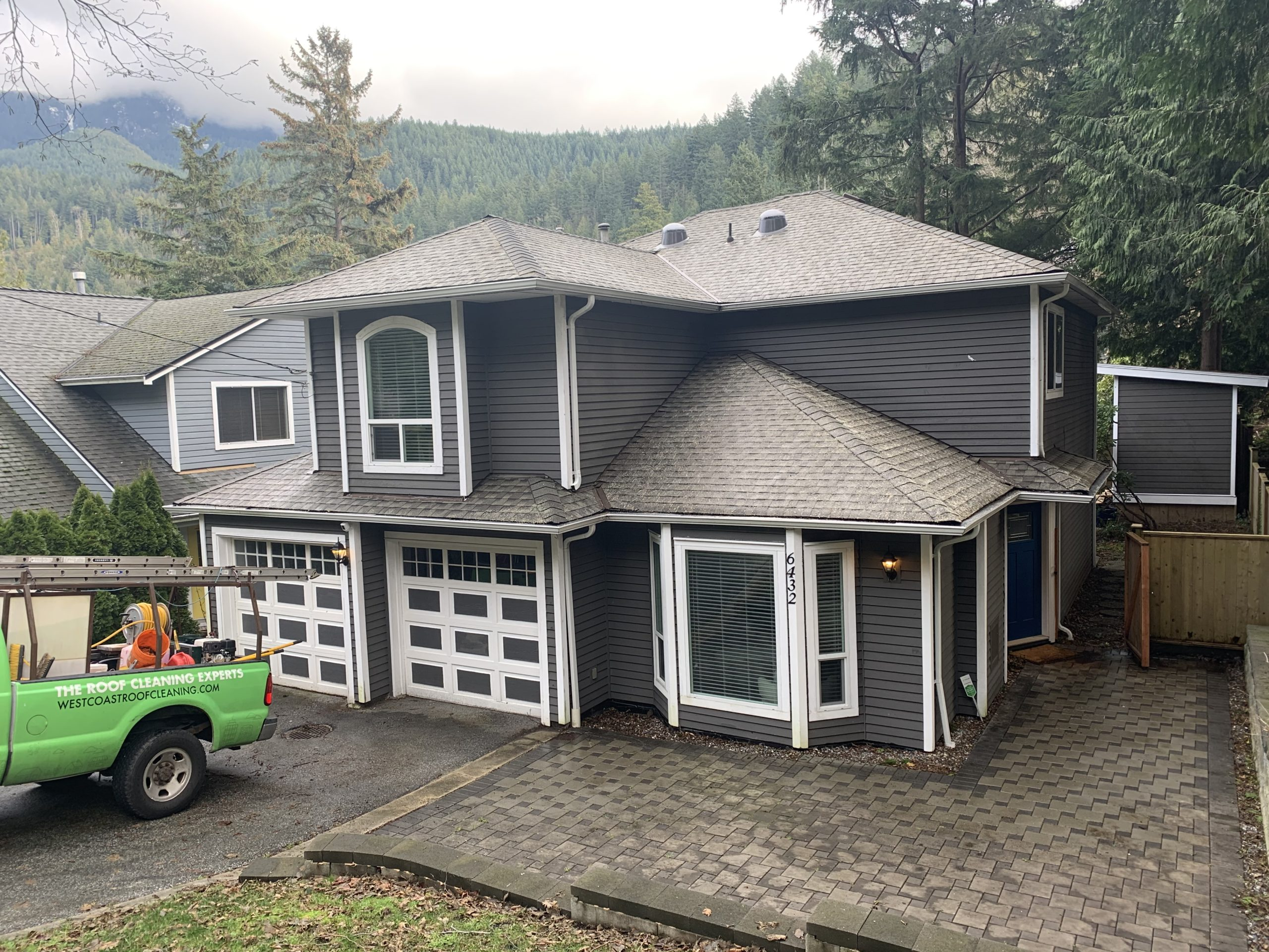 North Shore Asphalt Roof Cleaning